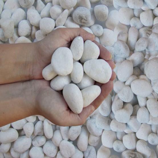 Snow white decorative pebble
